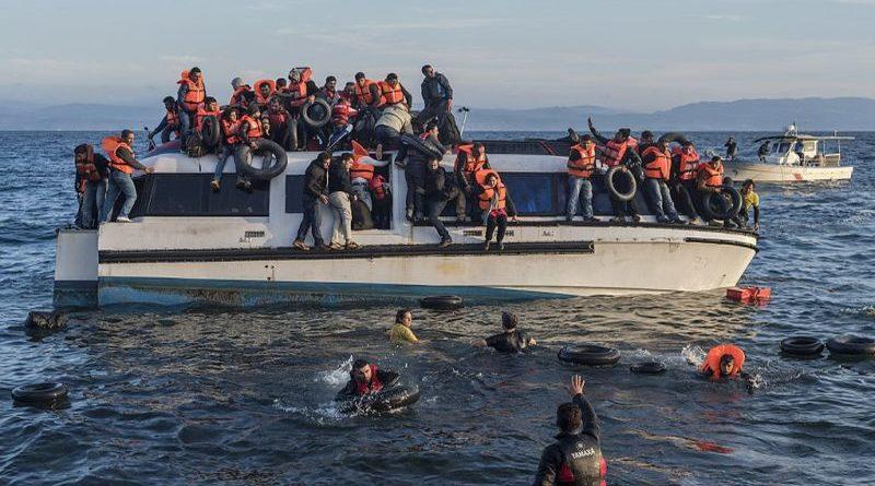 Appello dei docenti del Copernico: faremo lezioni su quello che sta succedendo per i migranti