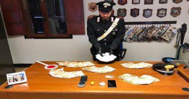 cocaina bilancia e 59mila euro trovati in casa di un autotrasportatore rumeno a dozza