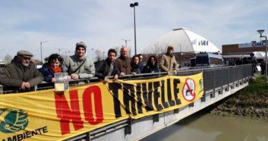 Legambiente presidia contro i sussidi alle fonti fossili a Ravenna