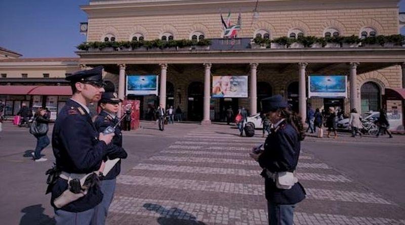Polizia stazione centrale a Bologna arrestano un ricercato a Londra