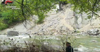 Frana vicino Marzabotto, nessun ferito e strada chiusa