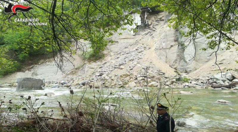 Frana sulla provinciale vicino Marzabotto, nessun ferito e strada chiusa