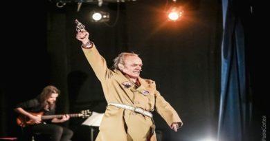 Rivoluzione russa secondo Marco Cavicchioli in scena a Bologna