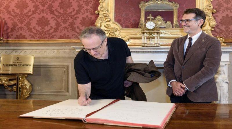 Il jazzista Uri Caine firma il Libro d'Onore di Bologna