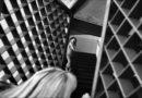 """Scatti di donne tra le sbarre, a Bologna la mostra fotografica """"La bellezza dentro"""""""