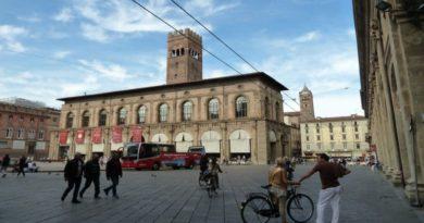 Bologna centro storico si fingevano finte sordomute