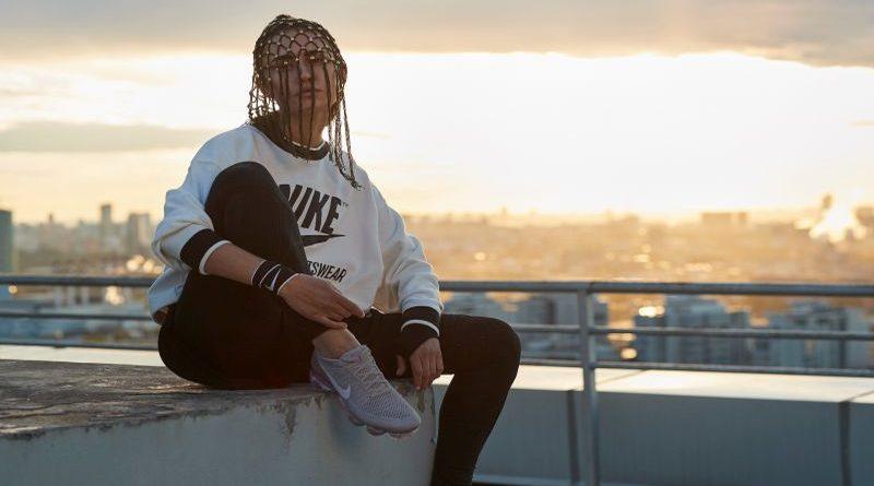 Daria Fisher violinista di strada a testimonial Nike