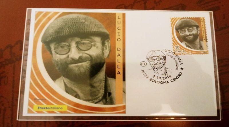Lucio Dalla, Giorgio Gaber, Pino Daniele i 3 nuovi francobolli di Poste italiane