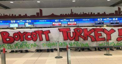 Corteo anti Erdogan a Bologna oscurato da Facebook e Instagram