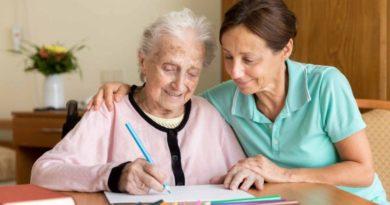 Un aiuto alle famiglie che hanno in casa un anziano